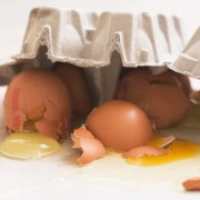 http://www.plurielles.fr/recettes-cuisine/fiche-pratique/8-astuces-pour-rattraper-ses-ratages-en-cuisine-7089124-402.html